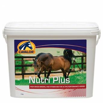07 CAVALOR Nutri Plus - Suplement witaminowo-minelarny 5kg